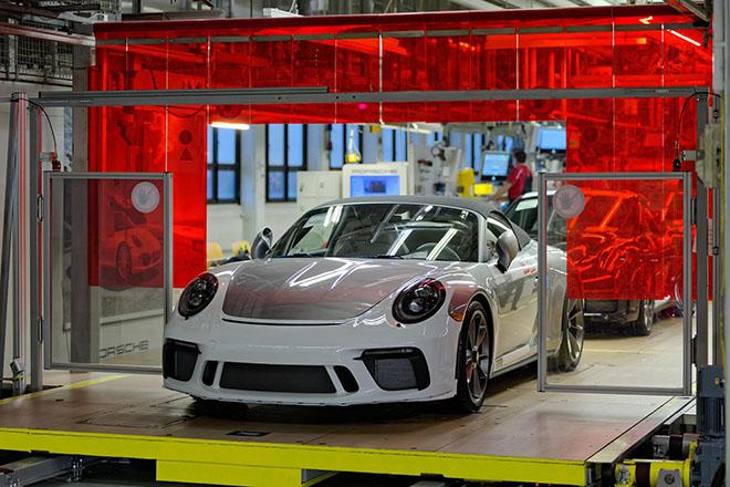 Porsche xuất xưởng chiếc 911 Speedster cuối cùng, ngừng sản xuất dòng xe thế hệ cũ - 8