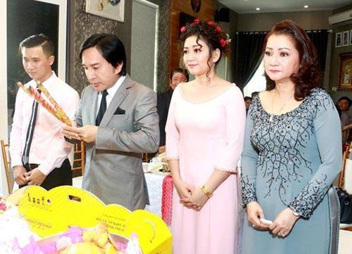"""Nhan sắc hai cô vợ đầu kín tiếng của """"ông vua cải lương"""" Kim Tử Long - 3"""
