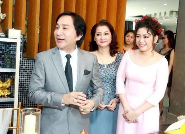 """Nhan sắc hai cô vợ đầu kín tiếng của """"ông vua cải lương"""" Kim Tử Long - 2"""