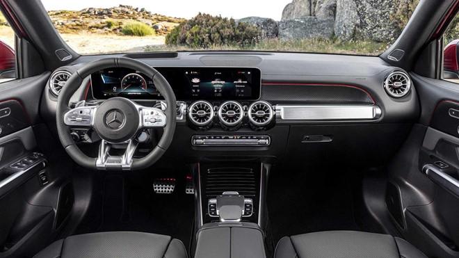 Mercedes-AMG GLB 35 4Matic - SUV 7 chỗ hạng sang thể thao và tốc độ - 2
