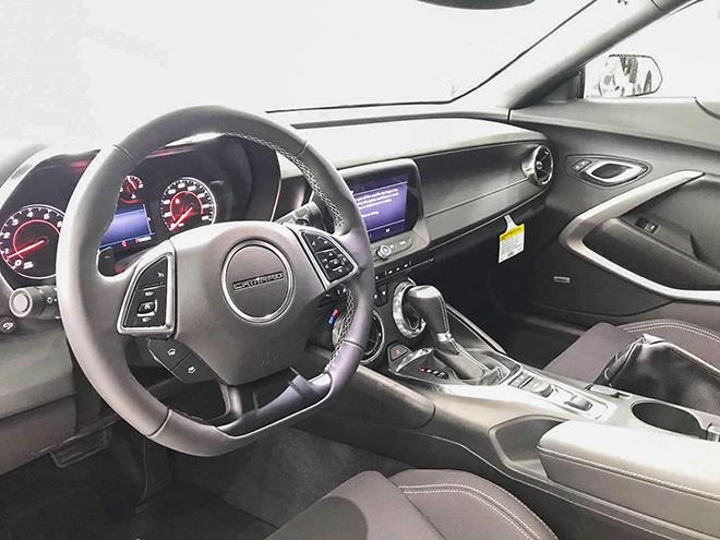 Chevrolet Camaro mui trần thế hệ mới xuất hiện tại Việt Nam - 4