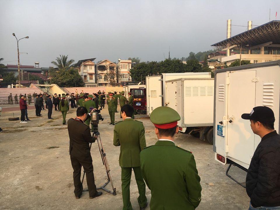 Hàng trăm cảnh sát siết chặt an ninh tại nơi xét xử nhóm sát thủ giết nữ sinh giao gà - 2