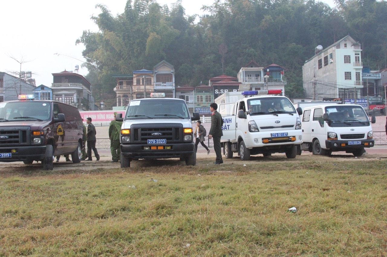 Hàng trăm cảnh sát siết chặt an ninh tại nơi xét xử nhóm sát thủ giết nữ sinh giao gà - 6