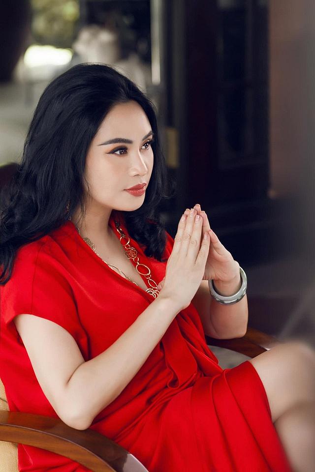 Nữ Diva chia sẻ không nên lạm dụng phẫu thuật thẩm mỹ