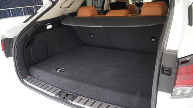 Soi chi tiết mẫu xe Lexus RX450h phiên bản 2020, giá hơn 4,6 tỷ đồng - 16