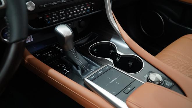 Soi chi tiết mẫu xe Lexus RX450h phiên bản 2020, giá hơn 4,6 tỷ đồng - 15