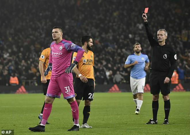 Video highlight trận Wolverhampton - Man City: Thẻ đỏ, VAR & màn ngược dòng siêu đẳng - 1
