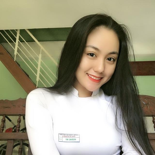 """2 nữ sinh Việt như """"bản sao Địch Lệ Nhiệt Ba"""" quyến rũ với áo dài, đồng phục - 2"""