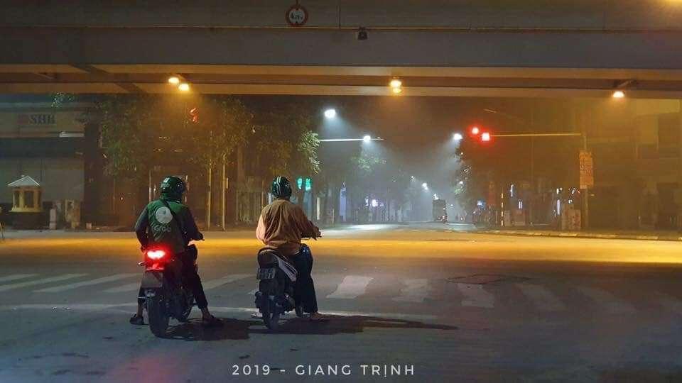 """Hình ảnh """"lạ"""" trên đường Hà Nội - 1"""