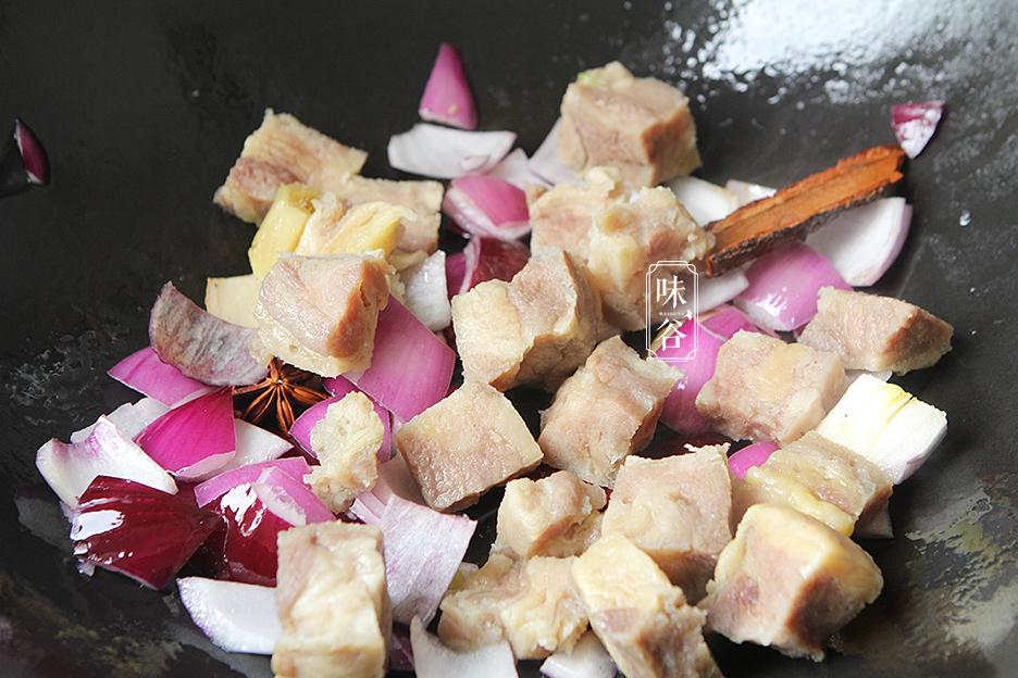 Chẳng cần thịt heo đắt đỏ, làm món bò kho khoai tây cũng khiến cả nhà mê mẩn - 7