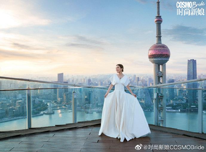 """""""Á hậu giàu nhất Hồng Kông"""" Xa Thi Mạn tốn 1,5 tiếng/ngày để dưỡng da mặt - 13"""