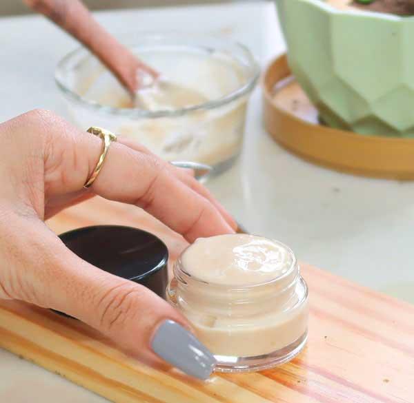 Tự làm kem khoai tây dưỡng da sáng mịn - 2