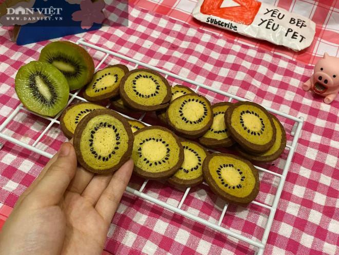 Mẹ con hào hứng vào bếp làm bánh quy hình trái kiwi đẹp mắt, thơm ngon - 2