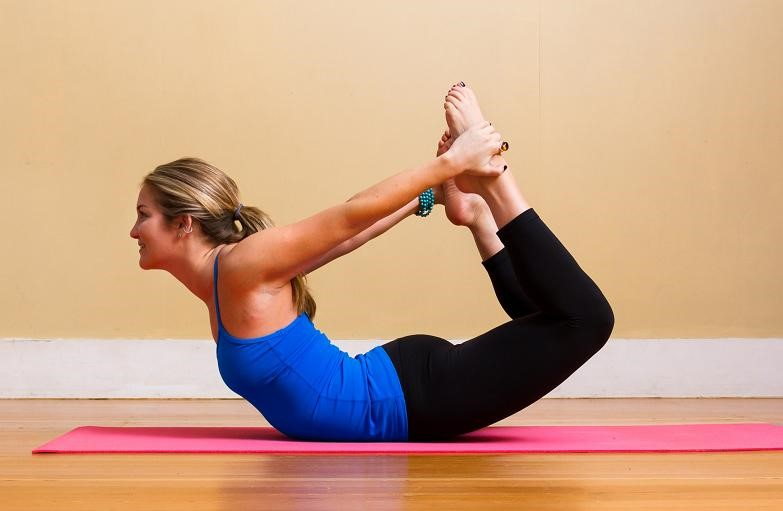Nữ sinh hot nhất nhì Sài thành tập yoga trên ván - 6