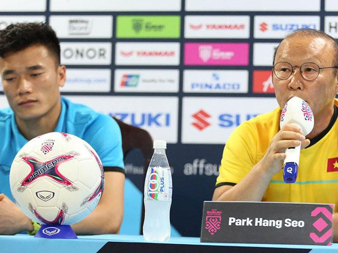 Ông Park đóng cửa với thủ môn Bùi Tiến Dũng - 1
