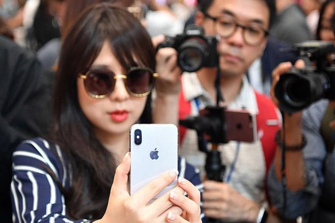Đừng mong đợi Apple điều chỉnh Face ID để hoạt động với khẩu trang - 1