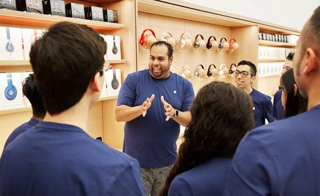 Apple chơi chiêu ngừng bán sản phẩm đối thủ để đón sản phẩm riêng sắp ra mắt - 1