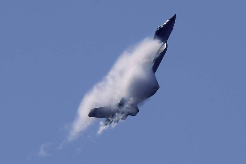 Chiến đấu cơ Trung Quốc răn đe Đài Loan rơi sau khi cất cánh