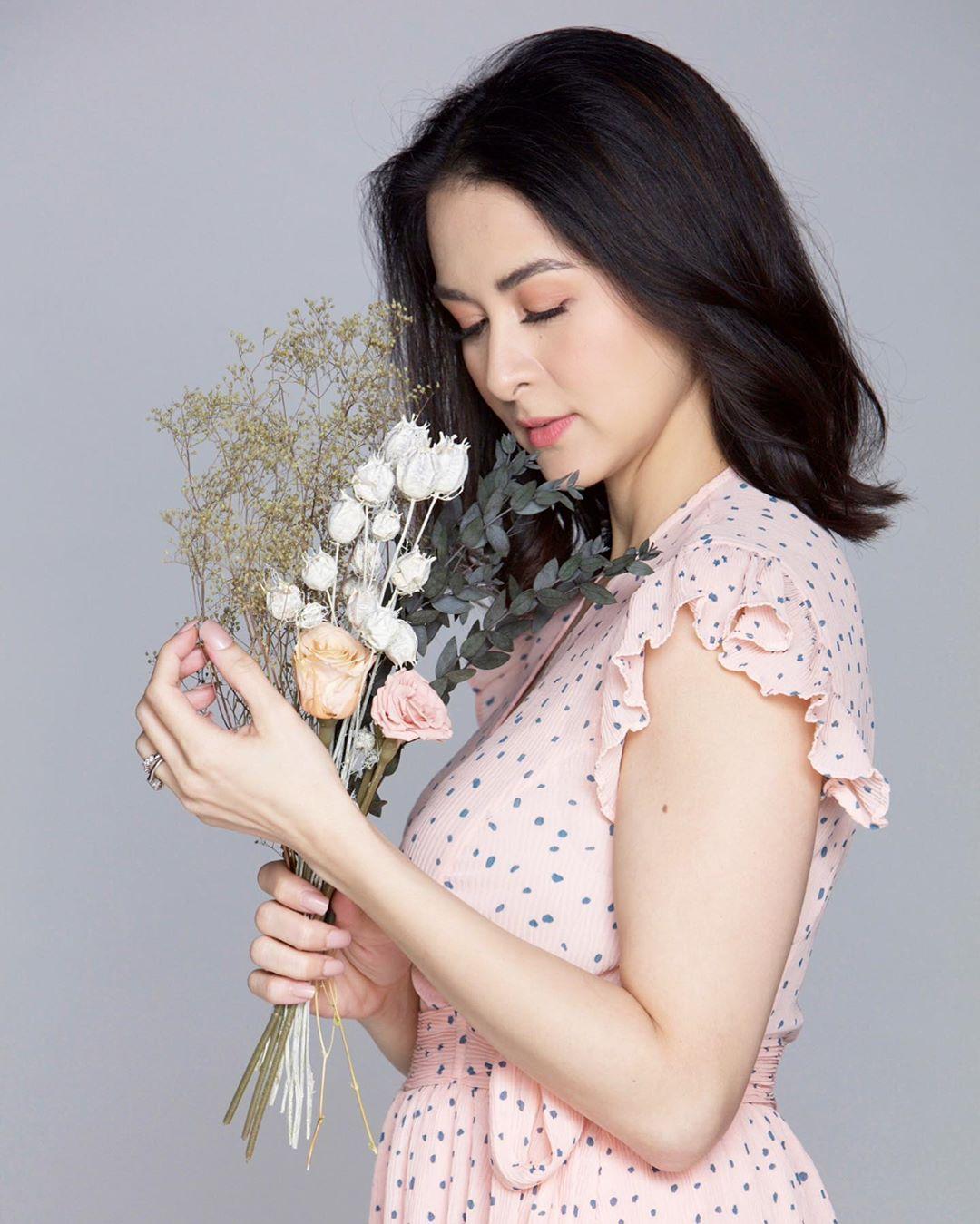 """Người đàn bà này chẳng cần phấn son vẫn quả thực """"đẹp nhất Philippines"""" - 2"""