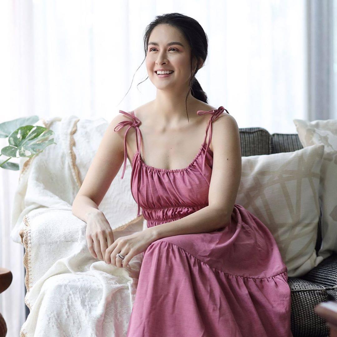 """Người đàn bà này chẳng cần phấn son vẫn quả thực """"đẹp nhất Philippines"""" - 1"""