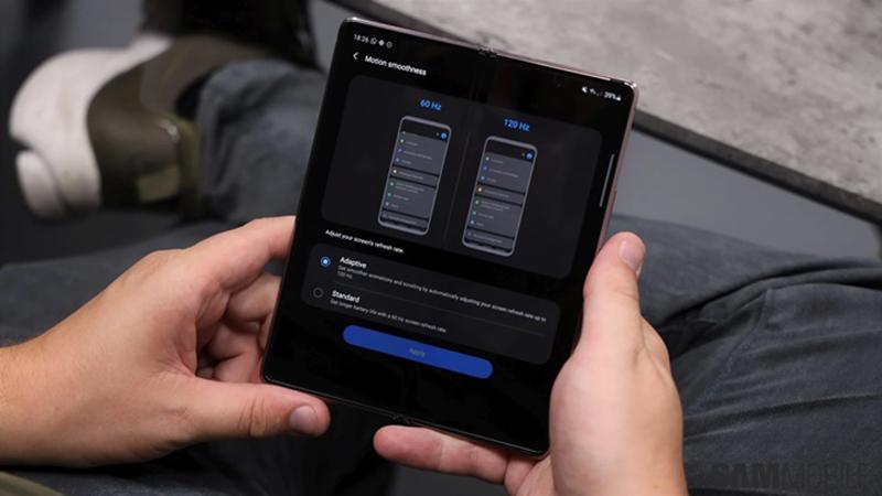 Samsung Galaxy Z Fold 2 vs Galaxy Fold: Sự khác biệt là gì khi bỏ ra tới 50 triệu đồng? - 4