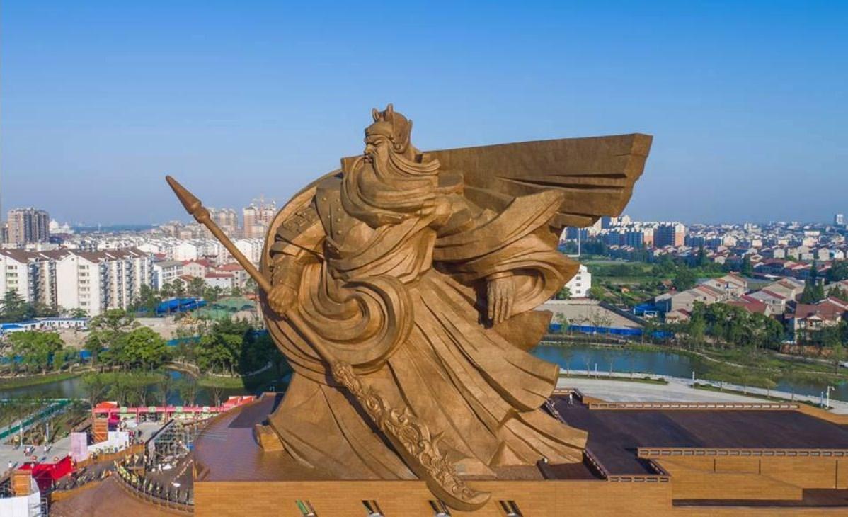 Tượng Quan Vũ khổng lồ bị TQ hắt hủi, cho là vô dụng và lãng phí
