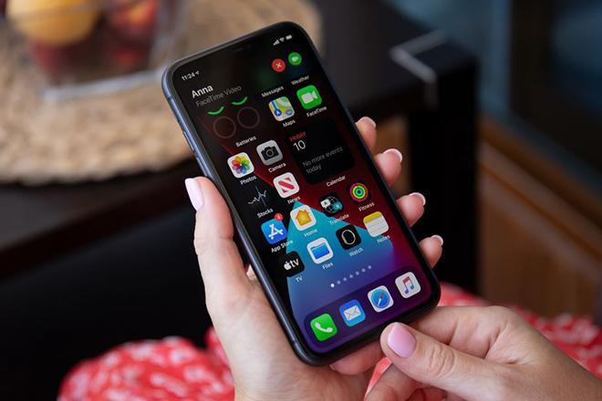 Ra mắt 0h đêm nay, iPhone 12 Mini có gì đáng giá? - 1