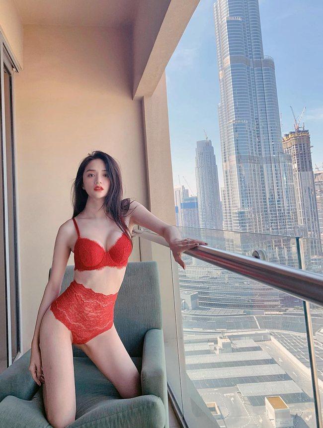 """""""Mặc trên người toàn đô la"""" như nữ chủ tịch là hoa hậu giàu """"vượt"""" Mai Phương Thuý - 1"""