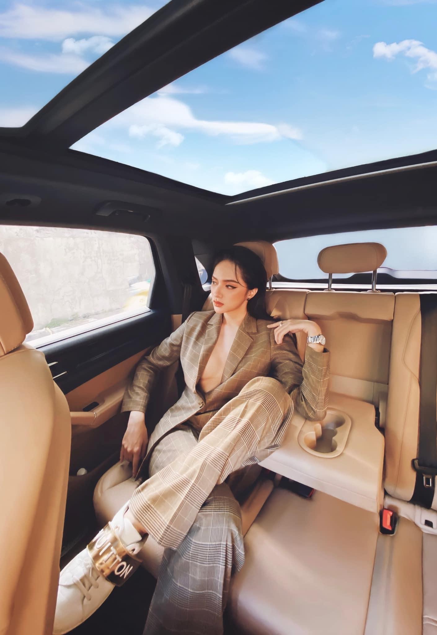 """""""Mặc trên người toàn đô la"""" như nữ chủ tịch là hoa hậu giàu """"vượt"""" Mai Phương Thuý - 7"""