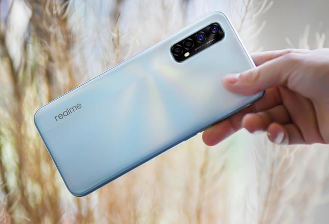 """Đây là những smartphone dưới 7 triệu có camera """"khủng"""", thiết kế long lanh - 2"""