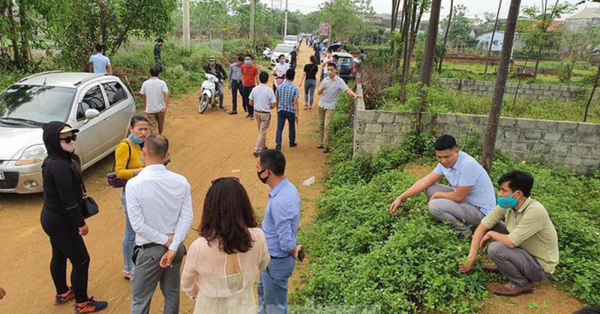 Nghịch lý, giá đất trong làng xóm ở Hà Nội bị đẩy lên cao ngất - 1
