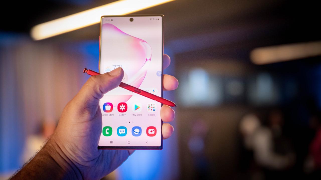 Mua iPhone SE 2020 hay Galaxy Note 10+ khi chỉ chênh nhau 01 triệu? - 1