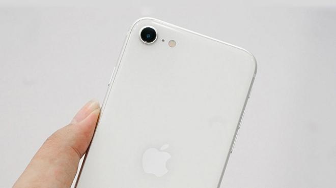 Mua iPhone SE 2020 hay Galaxy Note 10+ khi chỉ chênh nhau 01 triệu? - 6