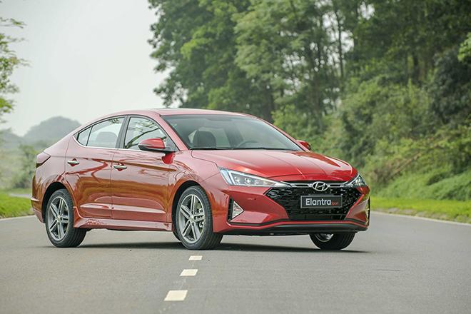 Giá xe Hyundai Elantra lăn bánh tháng 10/2020, giảm 20 triệu đồng - 12