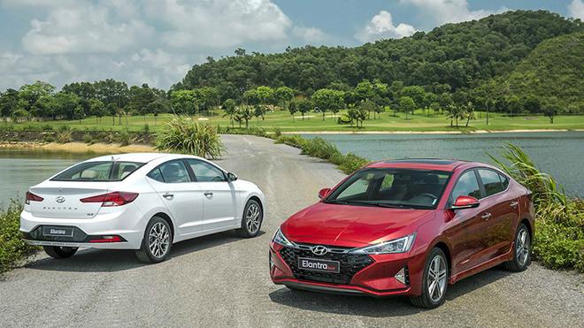 Giá xe Hyundai Elantra lăn bánh tháng 10/2020, giảm 20 triệu đồng - 1