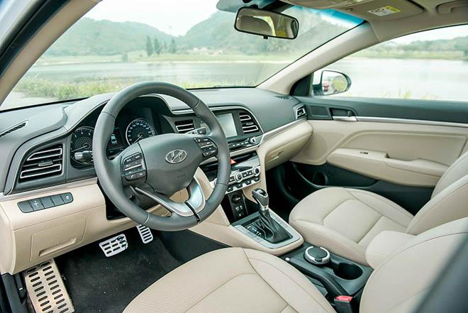 Giá xe Hyundai Elantra lăn bánh tháng 10/2020, giảm 20 triệu đồng - 9