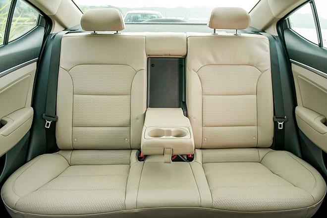 Giá xe Hyundai Elantra lăn bánh tháng 10/2020, giảm 20 triệu đồng - 10