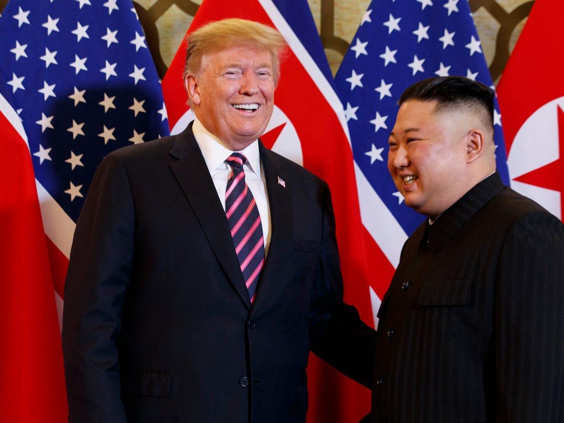 Nước mắt của ông Kim Jong Un: Món quà cho ông Trump trước thềm bầu cử?
