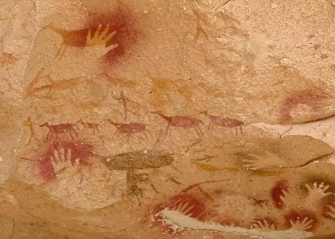 Thông điệp bí ẩn từ những bức họa 9000 năm tuổi toàn dấu in bàn tay trong hang động này - 7