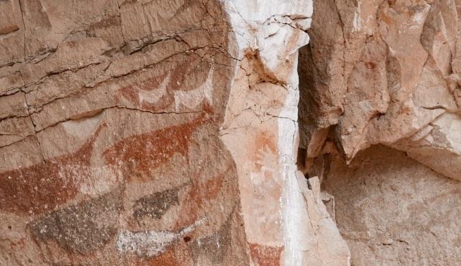 Thông điệp bí ẩn từ những bức họa 9000 năm tuổi toàn dấu in bàn tay trong hang động này - 8