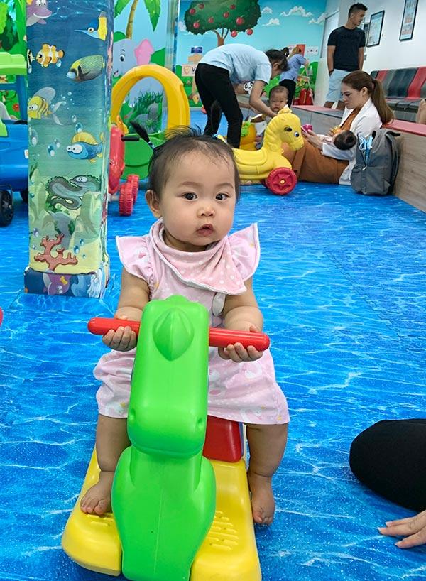"""Con sinh non bé như """"viên kẹo"""", đây là cách mẹ Việt từng sống tại Canada giúp con tăng cân, cao vượt chuẩn - 3"""