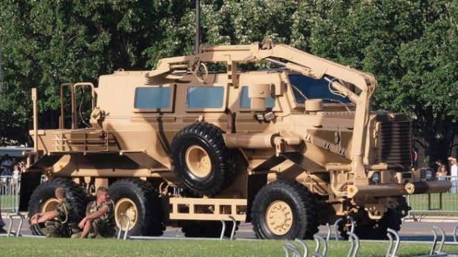 Những mẫu ô tô kiên cố nhất thế giới, chuyên thực hiện nhiệm vụ đặc biệt - 6