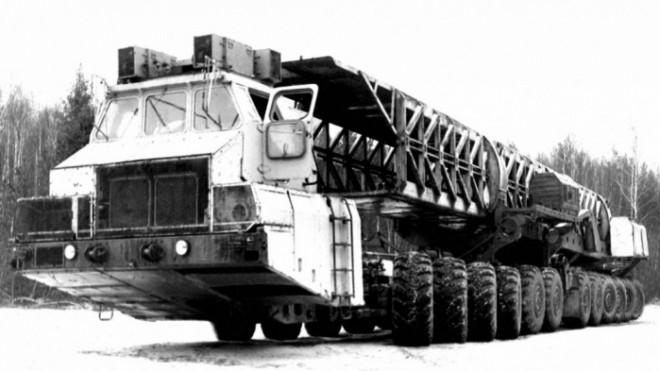 Những mẫu ô tô kiên cố nhất thế giới, chuyên thực hiện nhiệm vụ đặc biệt - 2