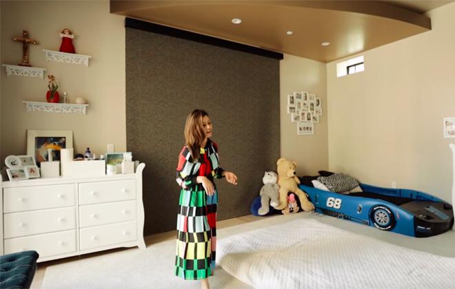 """Bà xã Đan Trường vô tình hé lộ nội thất """"mạ vàng"""" trong """"siêu biệt thự"""" 4.000m2 - 13"""