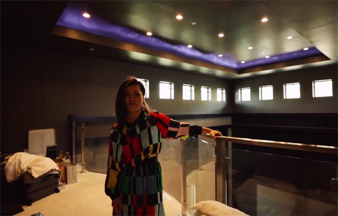 """Bà xã Đan Trường vô tình hé lộ nội thất """"mạ vàng"""" trong """"siêu biệt thự"""" 4.000m2 - 14"""
