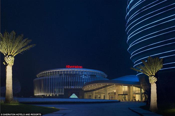 Khách sạn đến tận 7 sao nhưng lại có hình dạng đến khó hiểu - 10