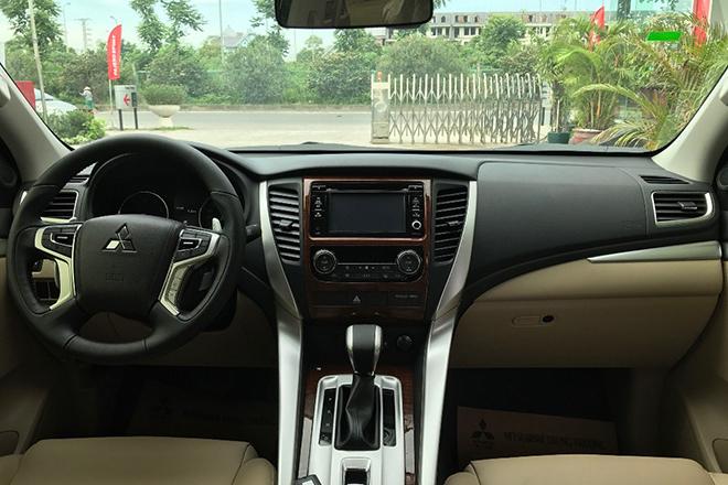 Mitsubishi Pajero Sport giảm giá tới 250 triệu đồng - 3