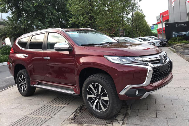 Mitsubishi Pajero Sport giảm giá tới 250 triệu đồng - 4