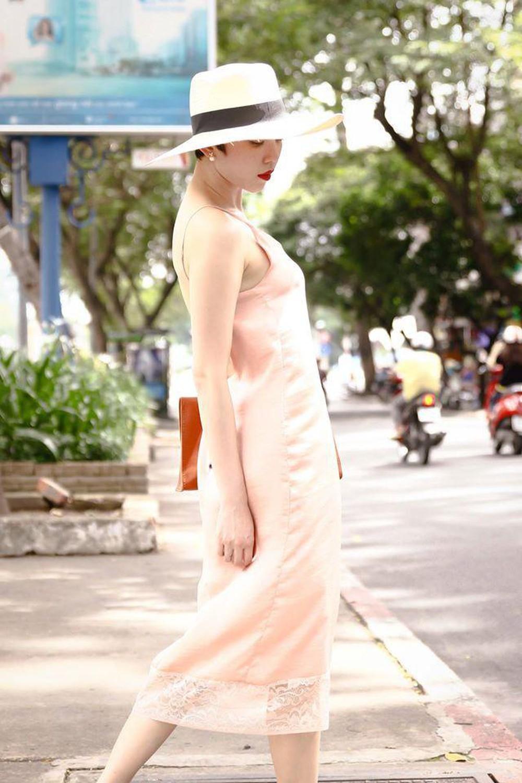 """Khéo mặc váy ngủ gợi cảm như người đẹp được Trường Giang khen là """"thần đồng"""" - 6"""
