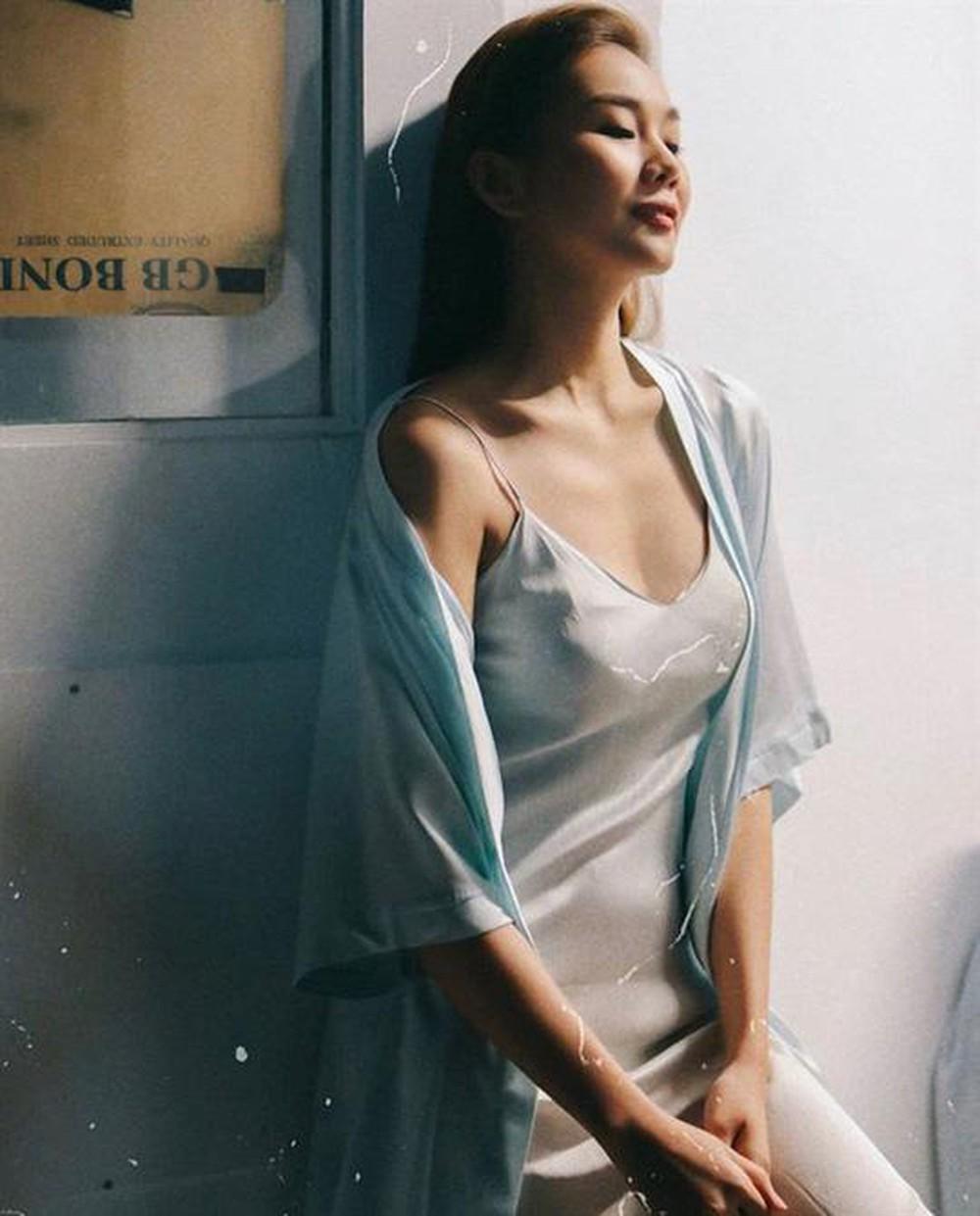 """Khéo mặc váy ngủ gợi cảm như người đẹp được Trường Giang khen là """"thần đồng"""" - 4"""